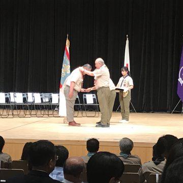 羽田隊長がかっこう章を授与されました